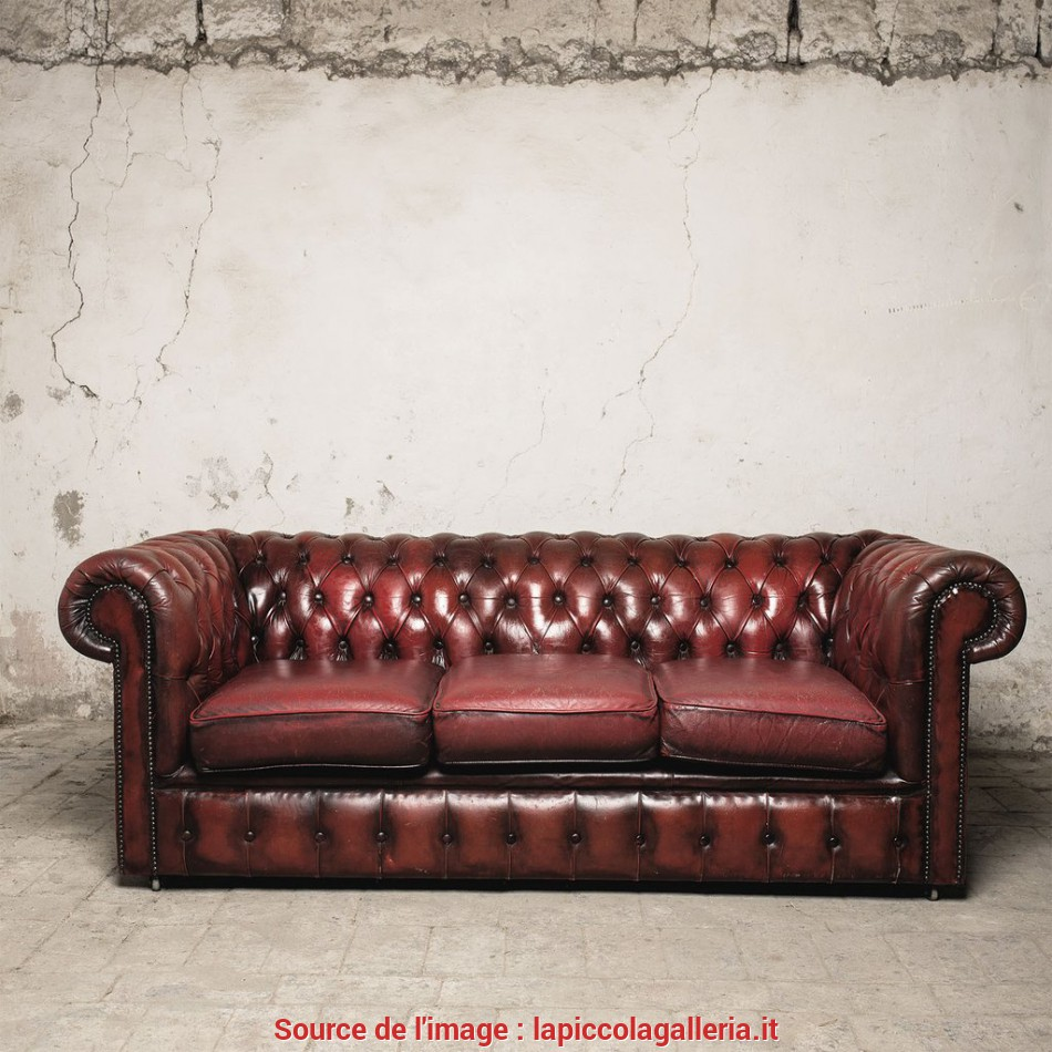 Elegante Divano Chesterfield Bordeaux