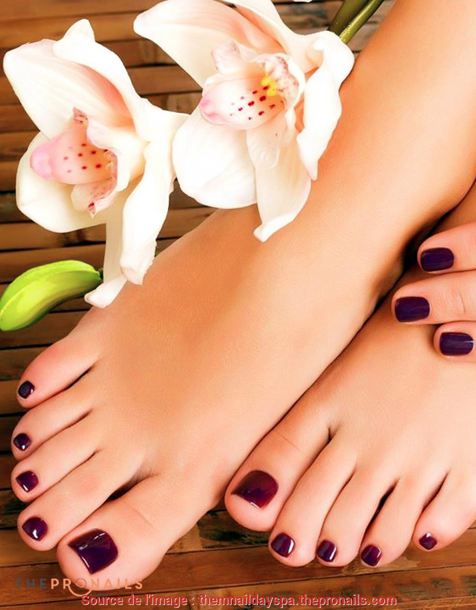 Speciale Sit Back, Relax In A Comfortable Massage Pedicure Chair, Experience A Great Pedicure As Your Nail Tech Makes Your Feet Feel Wonderful