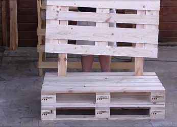 Confortevole Assembly Sofa With Pallets