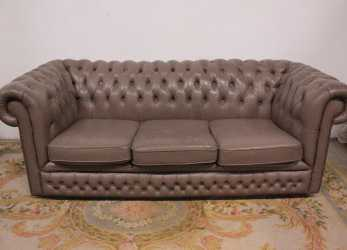 Bello Bel Divano Chesterfield Chester Pelle Inglese Originale 3 Posti Colore Tortora