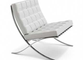 Elegante Barcelona Chair. Chair With Chromed Steel Frame, Leather Upholstery. Design Mies, Der Rohe, Knoll