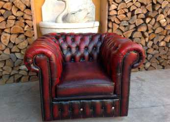 Elegante Poltrona Chesterfield Club Originale Inglese Vintage In Vera Pelle Color Bordeaux