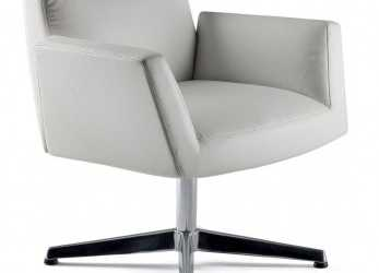 Premio Poltrona Frau Chancellor Side Chair With Four Star Base