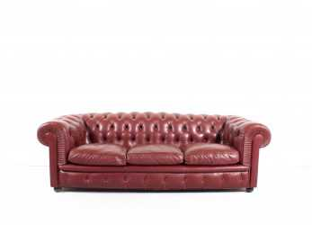 Lussuoso Poltrona Frau 'Chester One' Chesterfield Sofa By Renzo Frau, 1912 At 1Stdibs