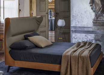 Elegante Poltrona Frau Mamy Blue,, Dream Design Interiors Ltd
